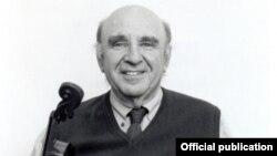 Леонид Гиршович