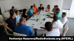 12 липня під час зустрічі кандидатів в нардепи і активістів документ погодилися підписати 11 політиків