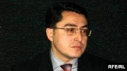 Komissiya sədri deyir ki, korrupsiya qarşı mübarizə ilə əlaqədar qanun layihələri ekspertizadan keçirilməlidir