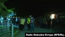 Селаните од Велешта протестираат зашто ЕВН има ја исклучи струјата.