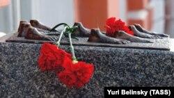 Один из памятников жертвам политических репрессий. Санкт-Петербург