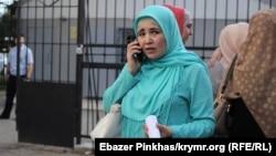 Lutfiye Zudiyeva Aqmescit mahkemesi ögünde, 2019 senesi mayıs ayı