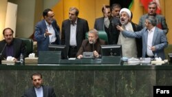 Heated debate in the Iranian parliament on October 7.