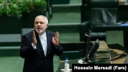 Iranian Foreign minister Mohammad Javad Zarif speaking at the Parliament on January 20, 2020.