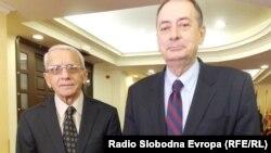 Професорите Љубиша Митровиќ и Владимир Мумбаширевиќ.