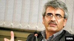 آقای نصیری می گوید که موضوع دانشگاه زنجان باید در یک مرجع ذیصلاح مورد رسیدگی قرار گیرد.