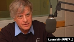 Journalist and author David Satter, an adviser to RFE/RL, in RFE/RL's Washington studios in 2011.