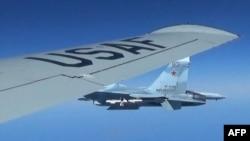 Самолёты США и России над Балтийским морем