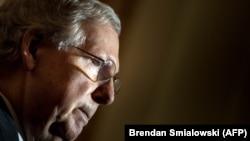 Автор законопроекта о новых санкция против Сирии, сенатор-республиканец Митч Макконнелл