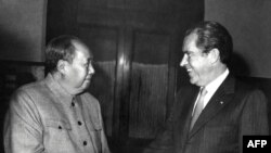 Мао Цзэдун и Ричард Никсон во время встречи в Пекине, 22 февраля 1972 года.