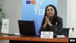 Васка Бајрамовска-Мустафа, заменик Народен правобранител, промовира Извештај за правата на децата во училишта.