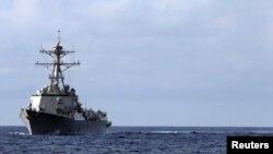 """Ракетный эсминец """"Тракстон"""" в походе в Атлантике"""
