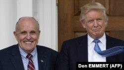 Руді Джуліані і Дональд Трамп (праворуч)