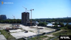 Сумнозвісне будівництво «Сонячна Рів'єра» на березі Дніпра