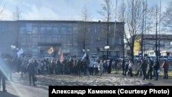 Участники митинга в Петропавловске-Камчатском