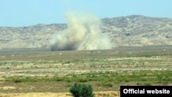Azerbaijani -- Azeri military exercises near the contact line, July 7, 2014