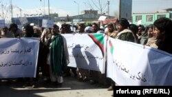 احمدزی: اگر حکومت مرکزی غور نکند، این فعالان مدنی به اعتراضشان ادامه خواهند داد.