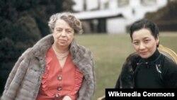 Мадам Чан Кайши (справа) и первая леди США Элеонора Рузвельт