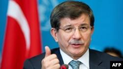 Турскиот министер за надворешни работи Ахмет Давутоглу.