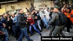 Իսրայել - Պաղեստինցի ցուցարարների և իսրայելցի ուժայինների միջև բախումներ Երուսաղեմի Հին քաղաքում, 8-ը դեկտեմբերի, 2017թ․