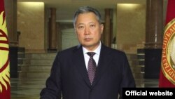 Президент К.Бакиев бийлик жоопкерчилигин колуна алды