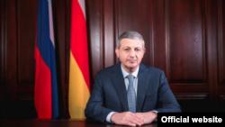 Глава Северной Осетии Вячеслав Битаров (архивное фото)