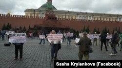 10 липня в Москві затримали сімох ветеранів кримськотатарського руху