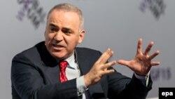 Гарри Каспаров во время выступления на Вроцлавском глобальном форуме