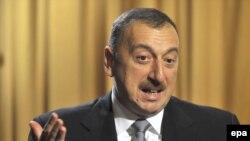 """Şabanow: """"Azerbeýjanyn hem Sowet dokumentlerine salgylanmak bilen, jedelli Omar, Osman we Serdar ýataklaryny özüniňki hasaplaýar."""""""