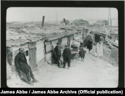 Будинки, в яких жили робітники «Дніпрогесу». Фото 1932 року. James Abbe / James Abbe Archive