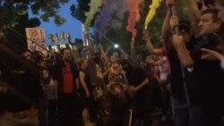 Полицискиот кордон не го спречи чаталот пред Собрание