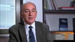 Зеколи – Немаме капацитет за излез од кризата без странска помош
