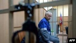 Vladimir Martynenko, ngasësi i makinerisë për heqjen e borës, i burgosur, pas aksidentit ne aeroportin rus.