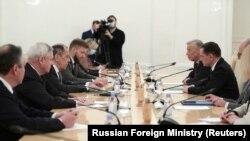 Ministrul rus de externe, Serghei Lavrov, i-a primit pe delegații Partidului Alternativa pentru Germania (AfD), conduși de co-președintele partidului Tino Chrupalla, Moscova, 8 decembrie 2020