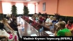 Участники конференции «Выборы и гражданское общество»