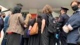 Адвокаты у здания городского суда, Нальчик