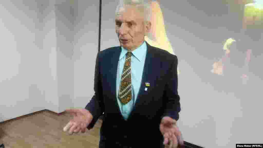 Қарағанды тұрғыны 84 жастағы Иван Карпинский бұрын Степлагта тұтқында болған. Зауытта токарь болып жұмыс істеген. Ол украин әдебиетін оқығаны үшін тұтқындалғанын айтады.