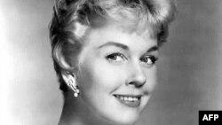 Доріс Дей за свою кар'єру знялася у 35 фільмах і записала понад 650 пісень