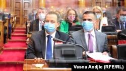 Predsednik Skupštine Srbije Ivica Dačić (levo) nije zaustavio talas verbalnih incidenata koji su obeležili nedavna skupštinska zasedanja. Da li će takvu praksu preduprediti kodeks o kome se poslanici izjašnjavaju?