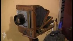 """Fotoatelyeni pasport saxlayır"""