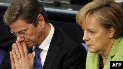 Kancelarja gjermane, Angela Merkel, dhe ministri i Jashtëm gjerman, Guido Vestervelle - foto nga arkivi.