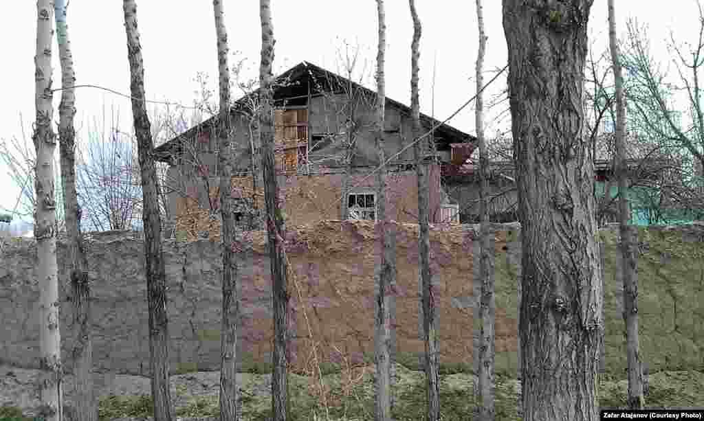 На юге страны подавляющее большинство домов построено из такого строительного материала