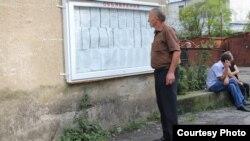 Решение абхазского парламента мало кого удивило в Гальском районе. За шесть месяцев, пока шла проверка Генпрокуратуры де-факто республики, там успели свыкнуться с мыслью, что многие, если не все, местные жители могут лишиться абхазских документов