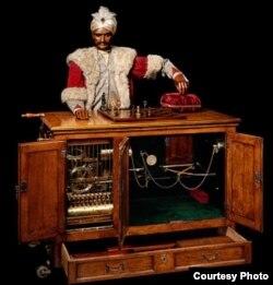 """Шахматный автомат """"Турок"""" на выставке """"Творя чудеса"""""""