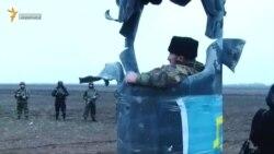 Активісти блокади Криму перешкоджають ремонту підірваних опор ЛЕП (відео)