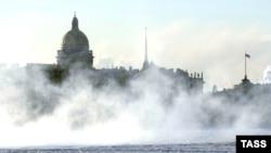Северная столица России совсем отвыкла от холодов