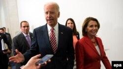 جو بایدن هنوز در مورد حضور یا عدم حضور در رقابتهای ریاست جمهوری اعلام موضع نکرده است.