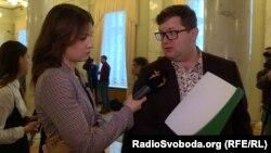 Під зверненням до СБУ вдалося зібрати 40 підписів від депутатів з чотирьох фракцій (на фото праворуч депутат Володимир Ар'єв)