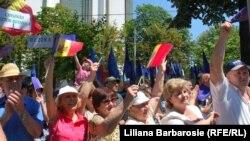 Imagine de la mitingul de susținere a ratificării, la Chișinău