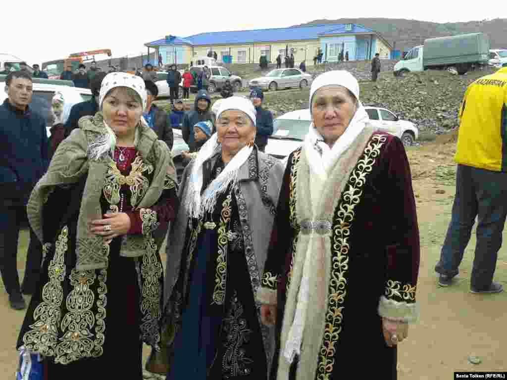 Женщины, приехавшие на празднование Амал-мейрамы.